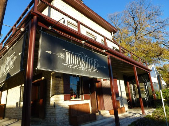 Moonshine Patio Bar & Grill |  Austin Moonshine | Things to do in Austin, Tx