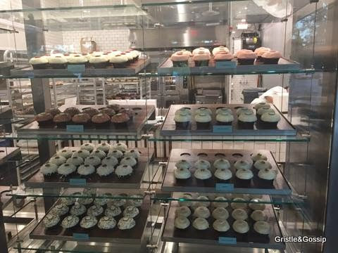 THE WOODLANDS JUST GOT SWEETER: CRAVE BAKESHOP & COFFEE