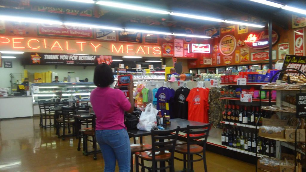 Don's Specialty meats interior