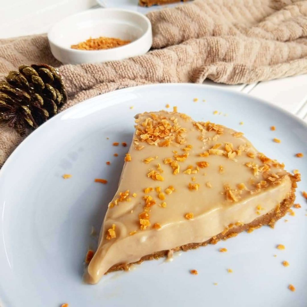 easy vegan coffee-infused coconut cream pie